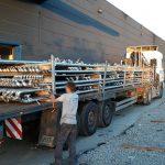 werkstukken op vrachtwagen